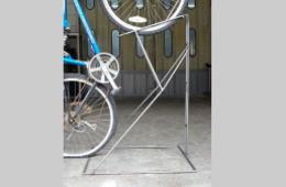オリジナル機器・パーツ設計製作、自転車置き台