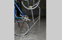 オリジナル機器・パーツ設計製作、自転車置き台・省スペース