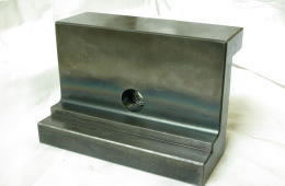 マシニングセンタ加工部品、バイス用補助冶具